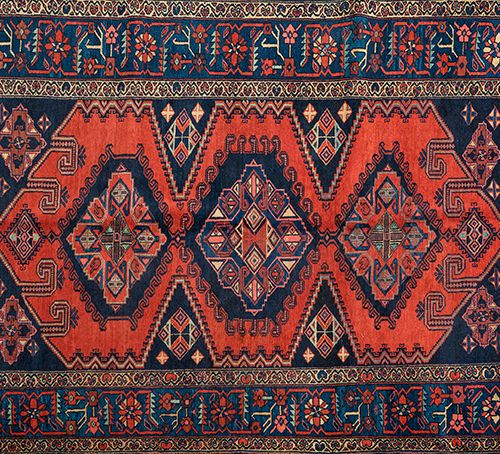 Antique WISS Persian wool hand knotted rug. West of Iran, near Hamadan. The desi…