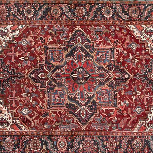 Persian HERIZ carpet, hand knotted with high quality wool Northwest of Iran. Des…