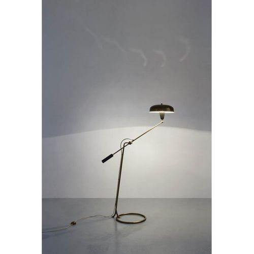 Angelo Lelii (1915 1987)  Lampadaire  Laiton, cuir et aluminium peint  Edition A…