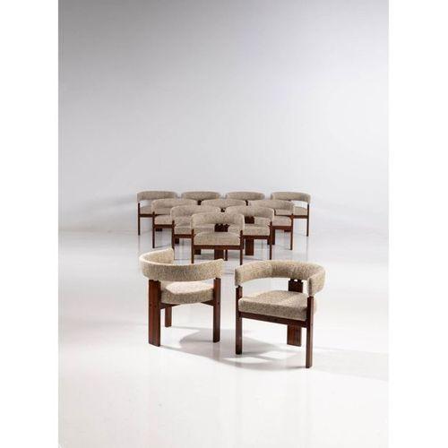 Ettore Sottsass (1917 2007), attribué à  Suite de douze fauteuils  Bois et texti…