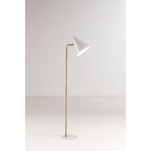 Paavo Tynell (1890 1973)  Modèle n°9629, dit 'K10 10'  Lampadaire  Métal, laiton…