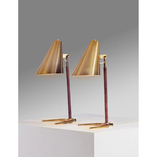 Paavo Tynell (1890 1973)  Modèle n°9225  Paire de lampes de table  Laiton et cui…
