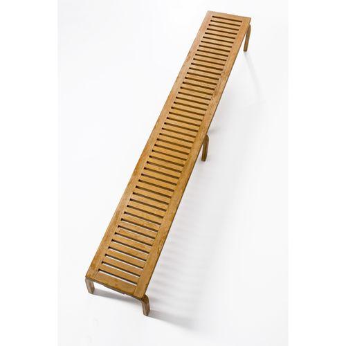 Alvar Aalto (1898 1976)  Banc Commande spéciale  Chêne et bouleau  Modèle créé e…