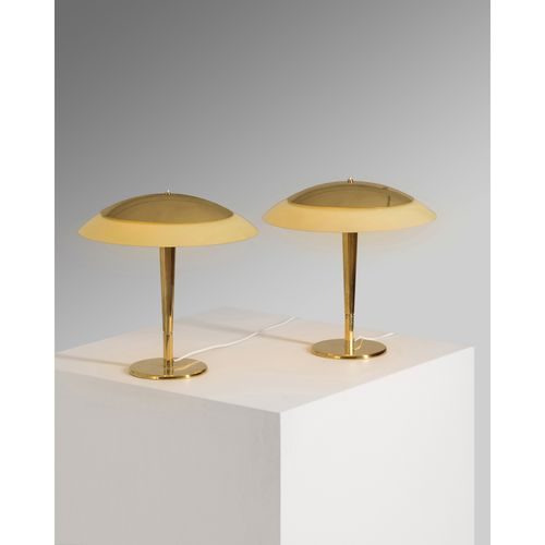 Paavo Tynell (1890 1973)  Modèle n°5061  Paire de lampes de table  Laiton  Éditi…