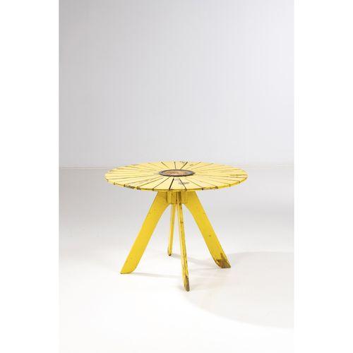 Alvar Aalto (1898 1976)  Modèle n°930 dit 'Sunflower'  Table de jardin  Bouleau,…