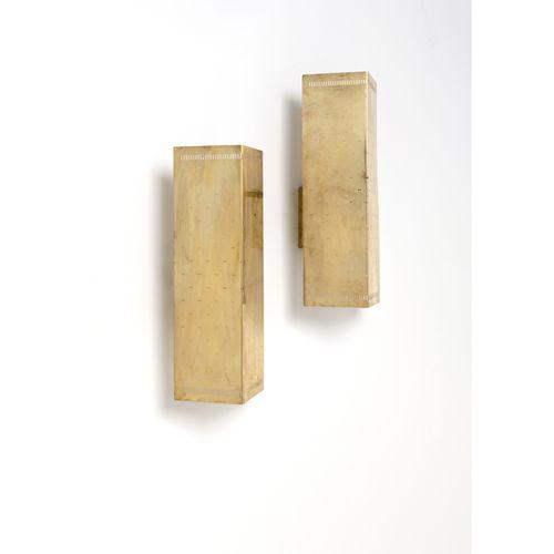 Paavo Tynell (1890 1973)  Modèle n°6200 (variant)  Paire d'appliques  Laiton  Éd…
