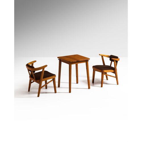 Maija Taimi (1915 1989)  Ensemble d'une table et deux fauteuils  Modèles créés e…