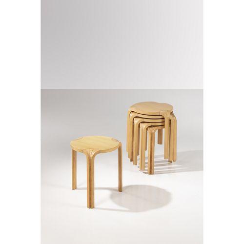 Alvar Aalto (1898 1976)  Modèle n°X602 dit 'Fan Leg'  Suite de six tabourets  Fr…