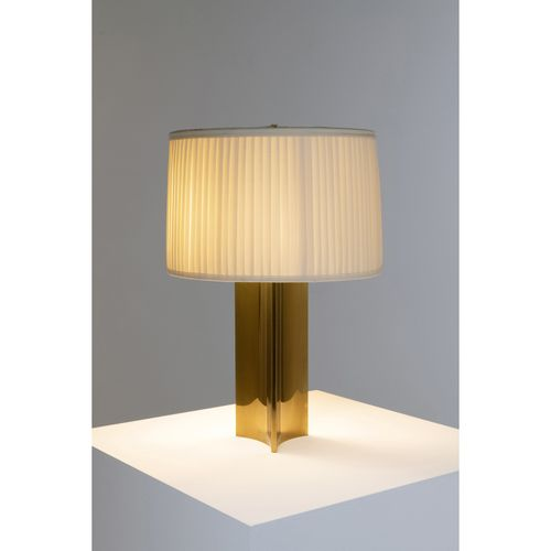 Paavo Tynell (1890 1973)  Modèle n°546/10405 dit 'Signet'  Lampe de table  Laito…