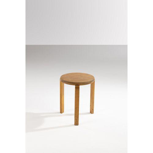 Alvar Aalto (1898 1976)  Wartime  Tabouret  Chêne  Modèle créé à la fin des anné…