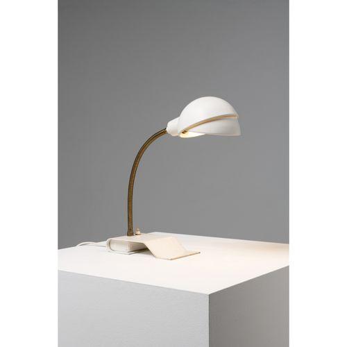 Alvar Aalto (1898 1976)  Modèle n°A703  Lampe de table  Métal et laiton  Édition…