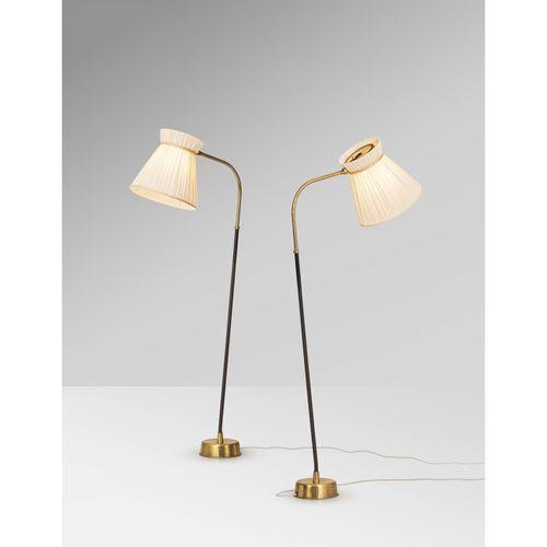 Lisa Johansson Pape (1907 1989)  Modèle n°2063  Paire de lampadaires  Laiton, te…