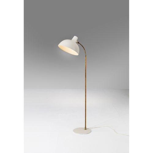 Paavo Tynell (1890 1973)  Modèle n°9635  Lampadaire  Laiton, métal peint et roti…