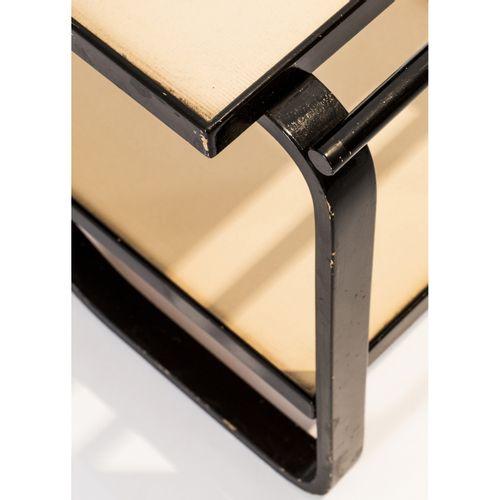 Alvar Aalto (1898 1976)  Modèle n°901  Desserte  Bouleau thermoformé  Modèle cré…