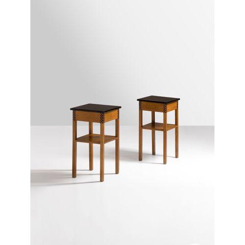 Eliel Saarinen (1873 1950)  Paire de tables d'appoint  Pin et pin teinté  Modèle…