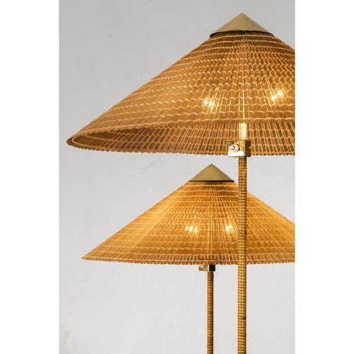 Paavo Tynell (1890 1973)  Modèle n°9602 dits 'Chinese Hat'  Paire de lampadaires…