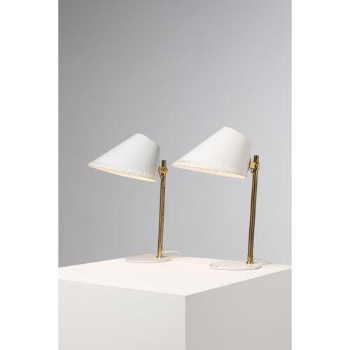 Paavo Tynell (1890 1973)  Modèle n°9227  Paire de lampes de table  Laiton et mét…