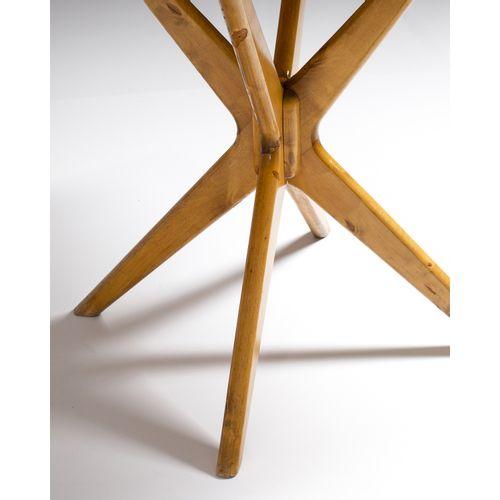 Ilmari Tapiovaara (1914 1999)  Table  Pin  Modèle créé à la fin des années 1940 …