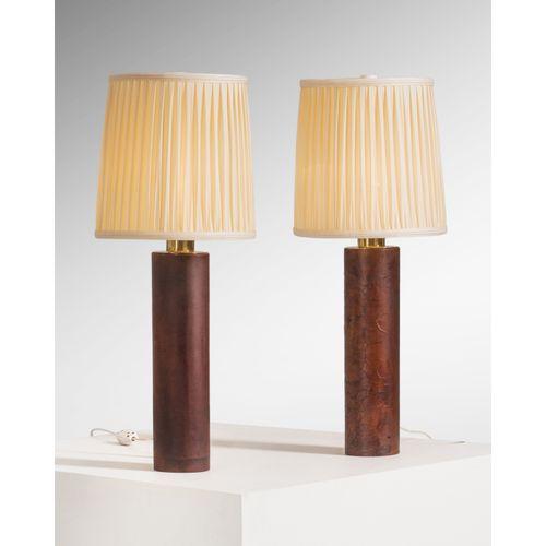 Lisa Johansson Pape (1907 1989)  Paire de lampes de table  Laiton, bois et cuir …
