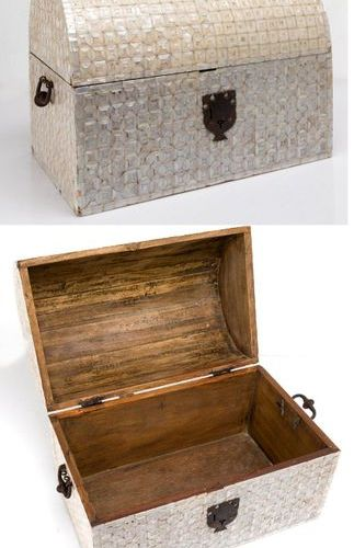 Mother of pearl chestMexican or Peruvian chest, 18th 19th centuries, with a wood…
