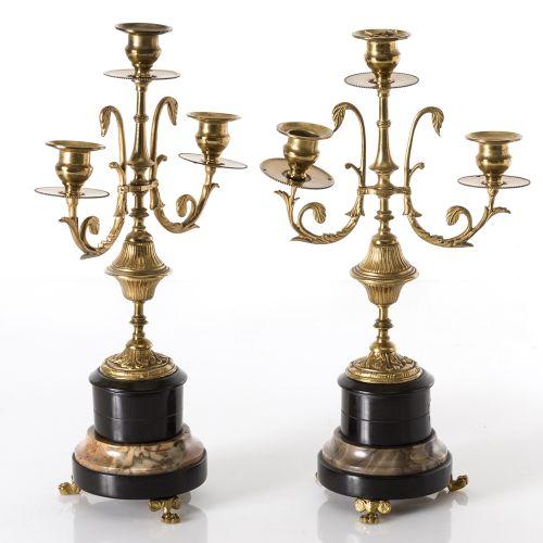 Pair of candlesticks in gilded bronze Paire de chandeliers à trois lumières de s…