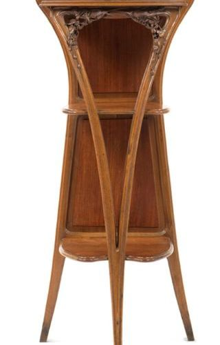 Louis Majorelle (1859 1926) LARGE TRIPODE SEAT In walnut with carved flower deco…