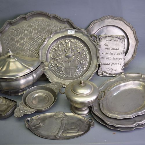 A batch of pewter