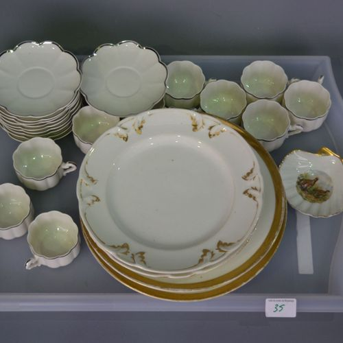 Service part in Limoges porcelain and varia.
