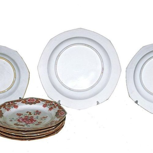 China  Qing period, Qianlong period (1736 1795)  Set of 6 plates and a pair of o…