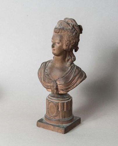 Terracotta bust: Marie Antoinette, after Pajou, 19th century  H. 39,5 cm