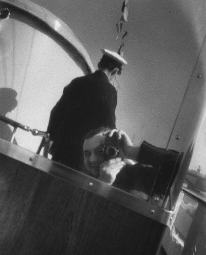 Roger SCHALL (1904 1995) Autoportrait au Leica, Paris, ca. 1929  Photographie, t…