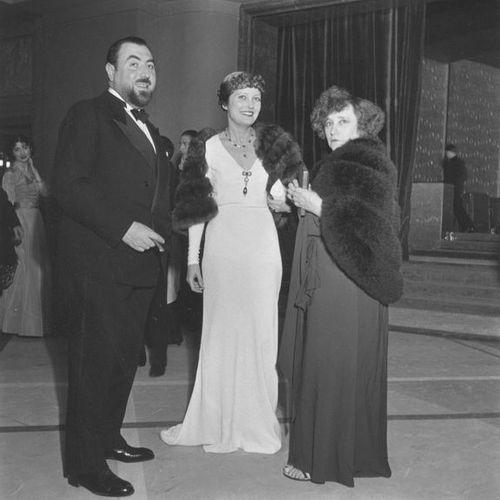 Roger SCHALL (1904 1995) Colette et ses amis, Océan Atlantique, mai 1935.  Photo…