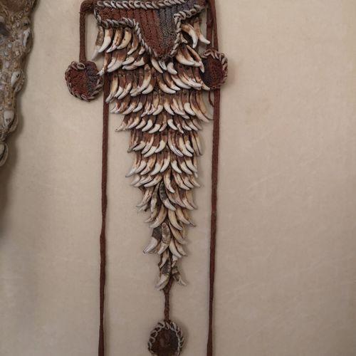 Ensemble d'objets ethnographiques Asmat collecté dans les années 1960 par un art…