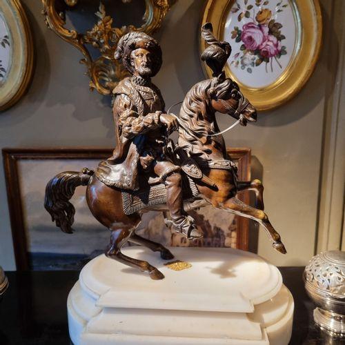Travail du XIXe siècle  Portrait équestre de François Ier  Bronze patiné reposan…