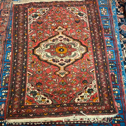 Used carpet with red background. 265x 222  Another carpet 148 x 112 cm is attach…