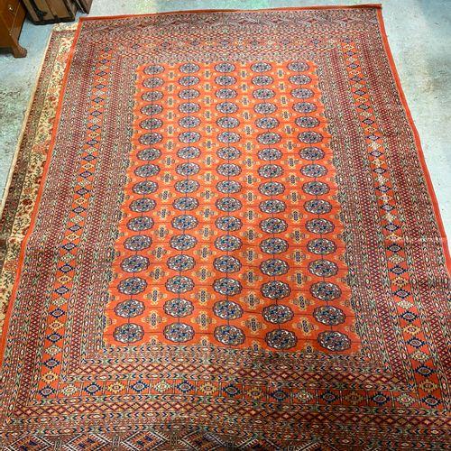 Big red carpet  250 x 346 cm.