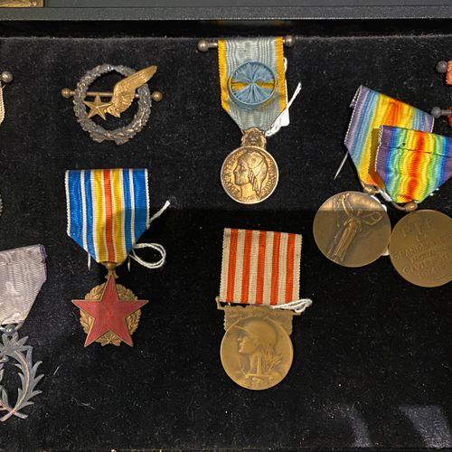 France  Lot de médailles comprenant : 2 médailles interalliée ; une médaille d'o…