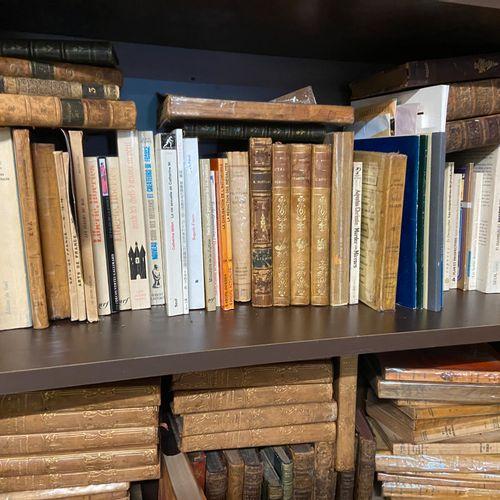 Lot de livres reliés et brochés, livres d'art, romans, Histoire universelle en 1…