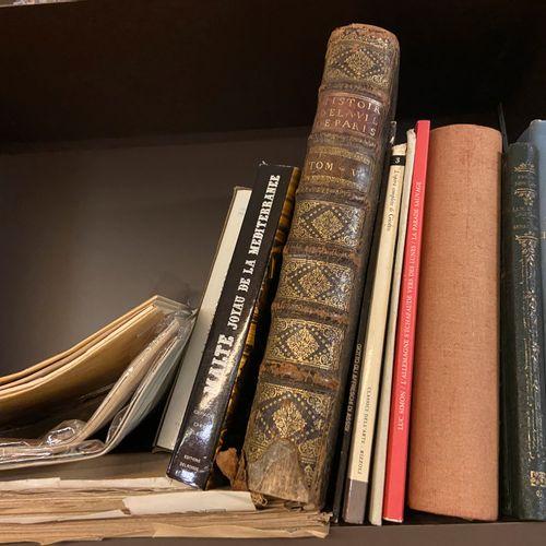 Lot de livres, sujet Paris, Art, villes, etc