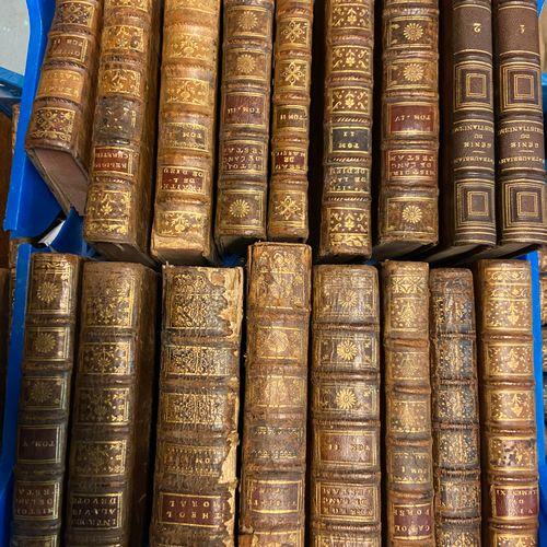 Lot de livres reliés et brochés, sujet religion, ancien testament etc