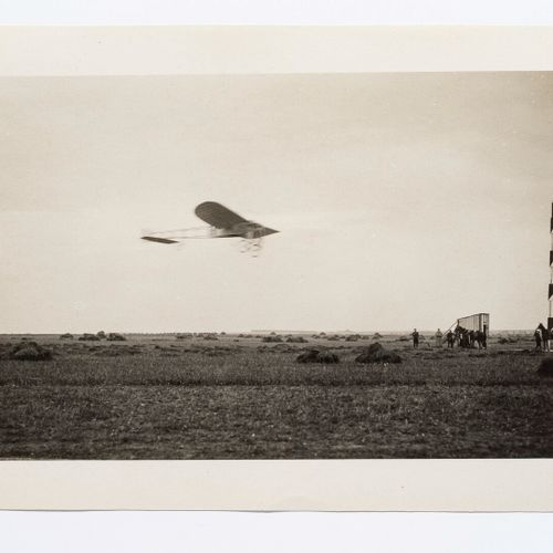 Lucien LOTH (1885 1978)  Aircraft n°20 detached from the mast  Aviation week, Au…