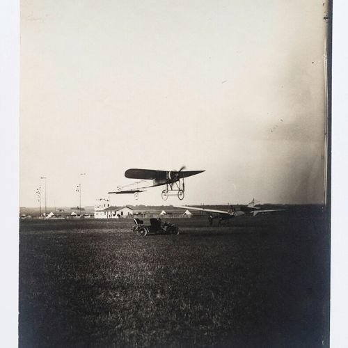 Lucien Loth (1885 1978)  Antoinette n°2  Aircraft close to the ground and antenn…
