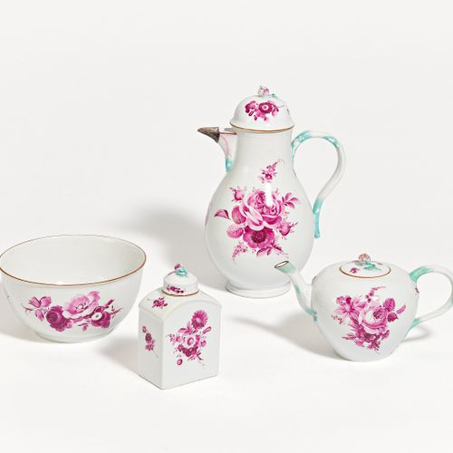 Meissen 4 PIECES FROM A SERVICE WITH PURPLE DECORATION. Meissen. Porcelain with …