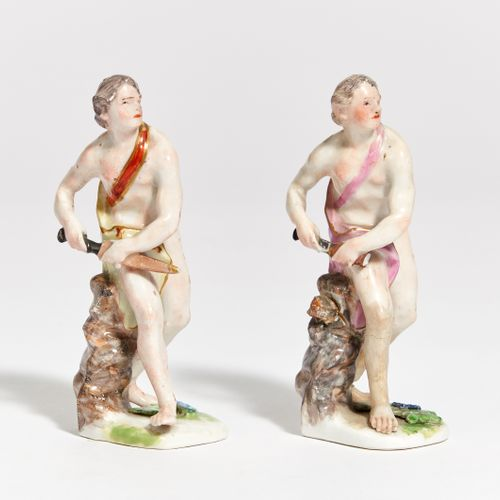 Presumably Thuringia ANTIQUE FIGURE OF A WARRIOR. Probably Thuringia. Porcelain,…