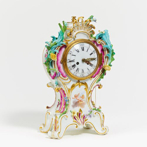 Meissen SMALL PENDULE WITH AMORETTE DECORATION. Meissen. Porcelain, painted in c…