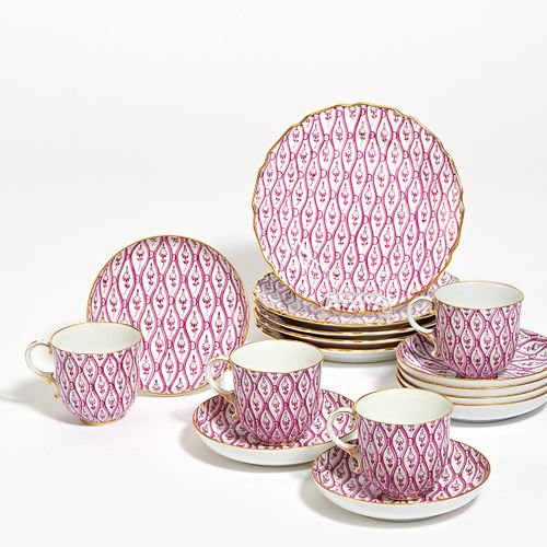 Nymphenburg 12 PLACE SETTINGS OF A COFFEE SERVICE WITH PURPLE DECORATION. Nymphe…