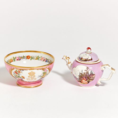 SMALL TEAPOT AND KUMMEL WITH ROSÉ BASE. Meissen & Sèvres. Porcelain, coloured an…
