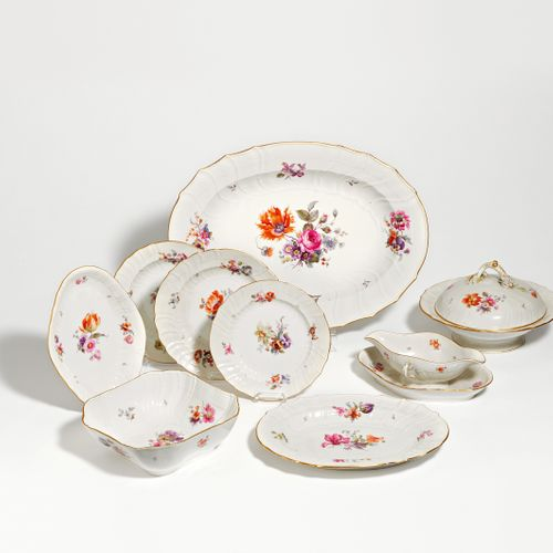 KPM DINNER SERVICE FOR 12 PERSONS WITH FLORAL DECOR. KPM. Berlin. Porcelain deco…