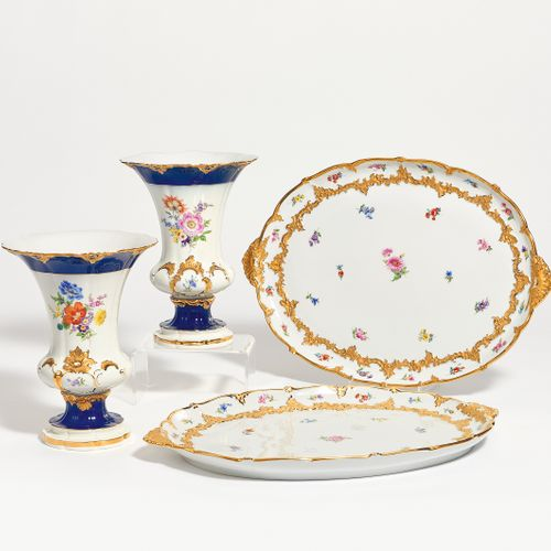 Meissen 2 CRATERS VASES AND 2 OVAL PLATES WITH ORNAMENTAL DECORATIONS. Meissen. …