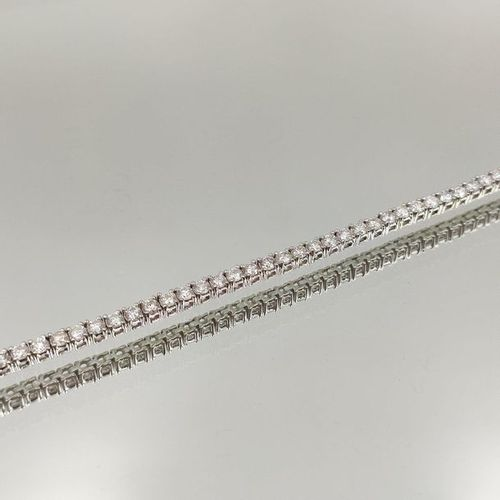 BRACELET in 14 carat white gold (585‰), set with an alignment of brilliant cut d…